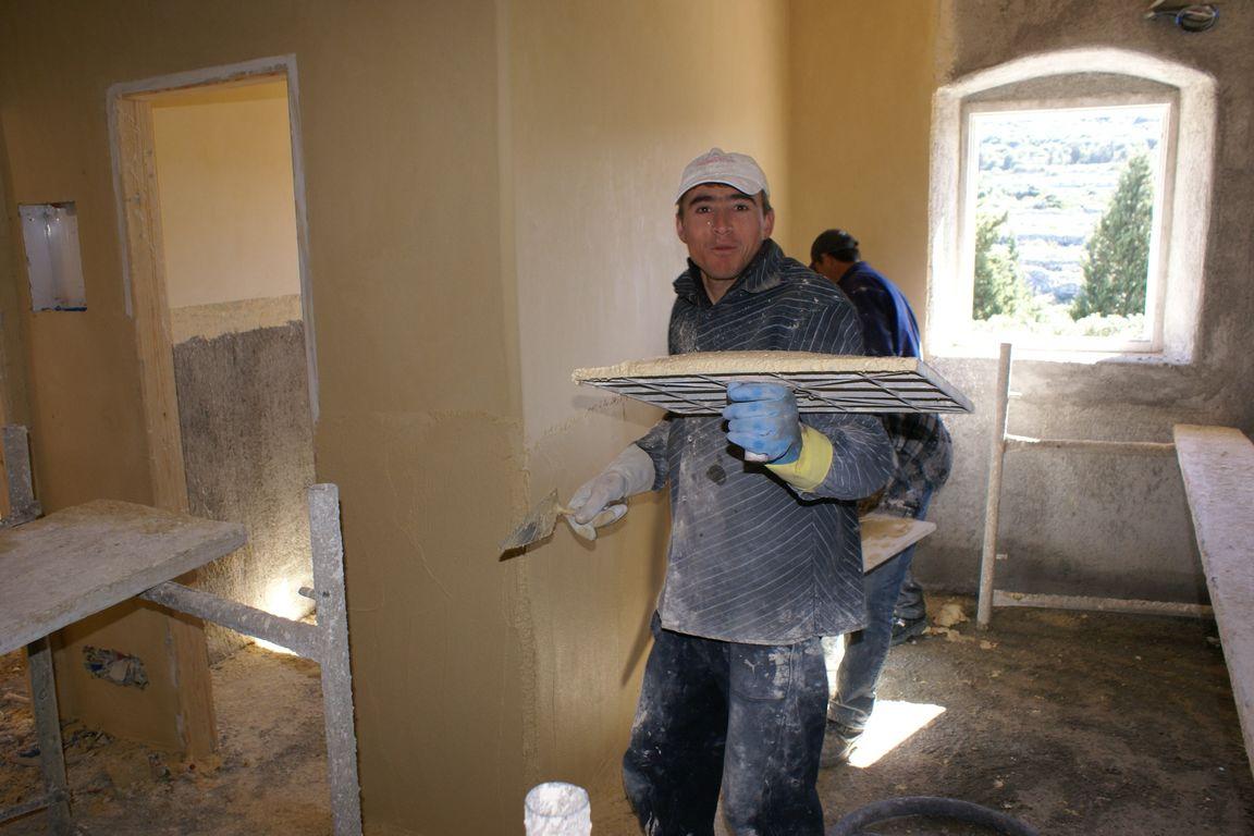 De bouw van ons guesthouse Xenonas Fos ke Choros op Kythira